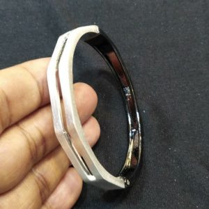 Women China Metal Hand Bracelet